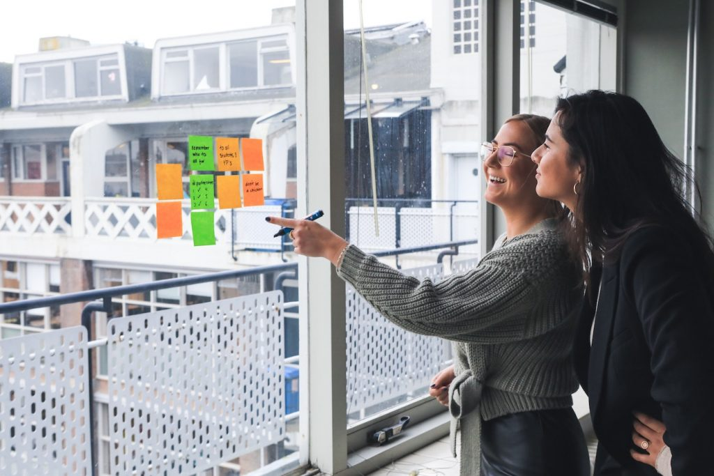 斐品整合行銷公關顧問有限公司|4招提升行銷企劃與設計師合作效率,遠距工作管理必看!